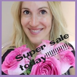 Dresses & Skirts - Sale today! Look my closet!